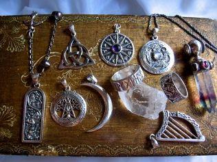 How to use the amulet on the money - Money Amulet